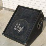 フロアーモニタースピーカー Electro-Voice FM1502ER